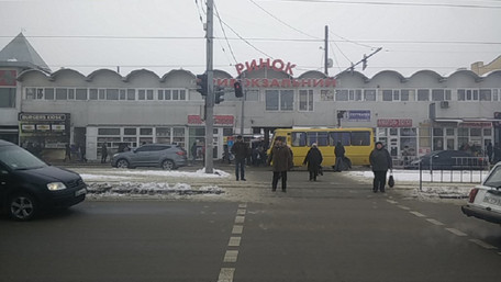 Керівників двох львівських ринків оштрафують за порушення карантину