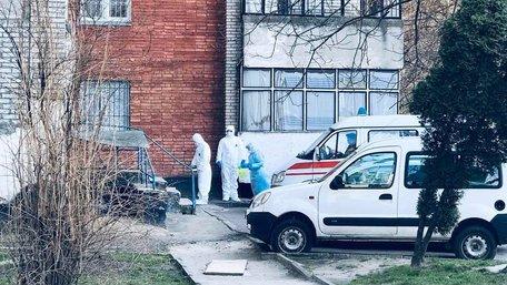 Львівські медики з'ясовують причини раптової смерті 38-річної жінки
