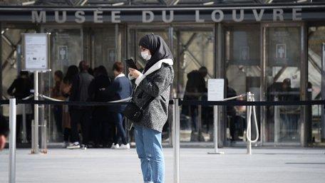 Європейські країни готуються послабити карантин наприкінці квітня