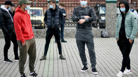 Коронавірус виявили у десятків футболістів і співробітників ФК «Карпати»