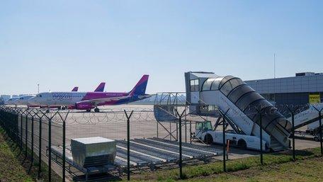 Україна з 5 червня відновлює внутрішнє авіасполучення і роботу ресторанів