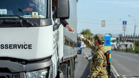 Угорщина заборонила в'їзд українцям через нові спалахи коронавірусу