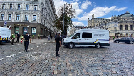 32-річний узбек захопив банк у Києві. Його затримали під час розмови з журналістами