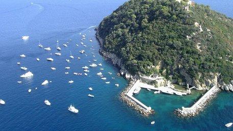 Син екс-власника «Мотор Січі» купив острів в Італії за 10 млн євро