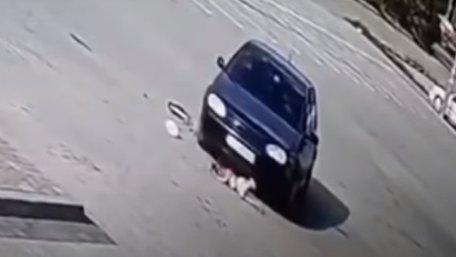 Дівчинка, яку тричі переїхала машина у Дрогобичі, не отримала жодного перелому