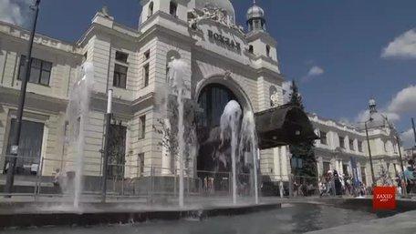 На площі Двірцевій біля залізничного вокзалу тестують новий фонтан