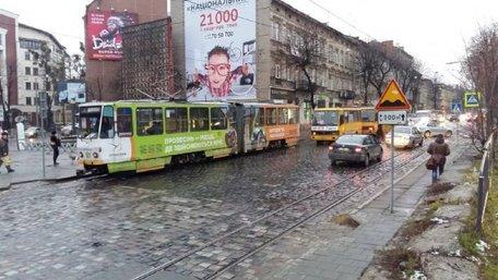Частину вулиці Бандери у Львові закривають на реконструкцію