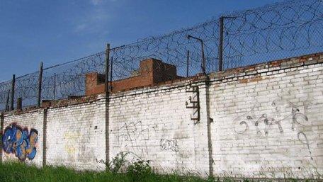 Двох в'язнів львівської колонії №30 затримали під час спроби втечі