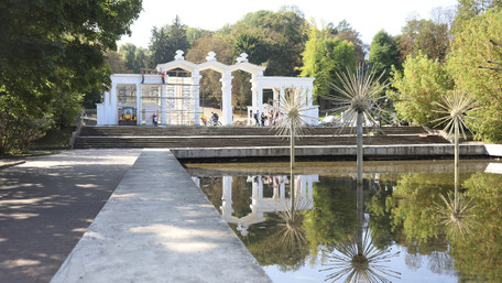 У Парку культури вже у жовтні відкриють гандбольний майданчик і відремонтовану арку