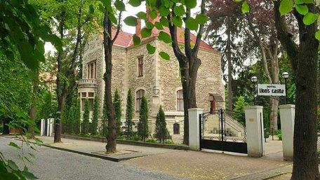 Львівська облрада дозволила братам Керницьким викупити готель «Замок Лева»