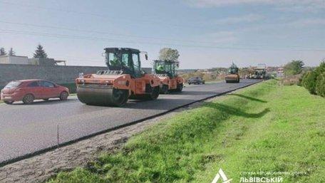 Біля Давидова завершують кількарічний ремонт траси Мукачево – Львів