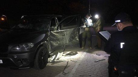 В Івано-Франківську із протитанкового гранатомета обстріляли автомобіль