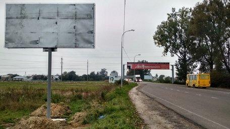 Суд арештував близько 70 га землі в Рясне-Руському, виділених під гаражі
