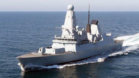Міноборони РФ заявило про обстріл британського есмінця біля Севастополя