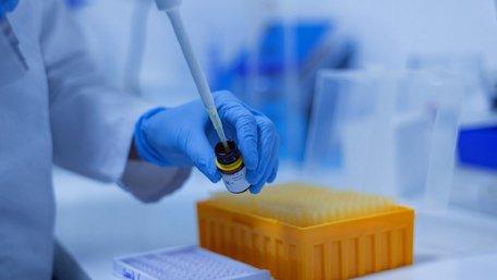 В Україні зафіксували перші випадки зараження штамом коронавірусу «Дельта»
