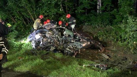 23-річний водій  Porsche розбився на смерть на дорозі до Брюховичів