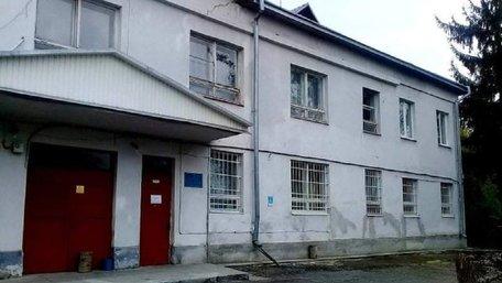 Чиновників Львівської РДА розташують у колишньому шкірвендиспансері