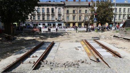 Львів'янам вперше запропонували компенсацію за цілодобовий ремонт вулиці