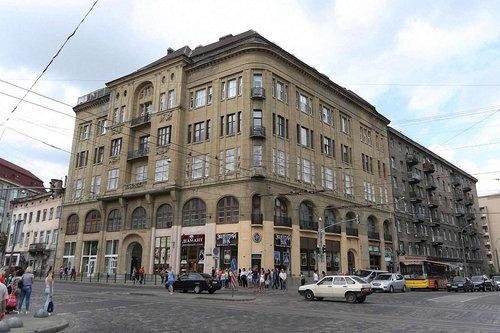 Мерія дозволила влаштувати апарт-готель у будинку біля Оперного театру у Львові