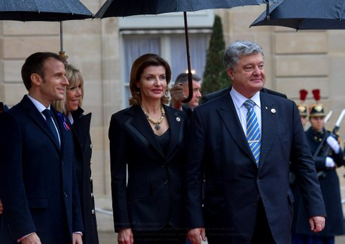 Президенти України та Франції з дружинами