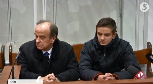 Володимир Ковтунець з сином в суді