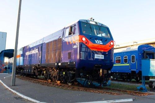 Перший американський локомотив General Electric вийшов на українські колії (відео). До кінця першого кварталу 2019 року кількість таких локомотивів в Україні зросте до 30