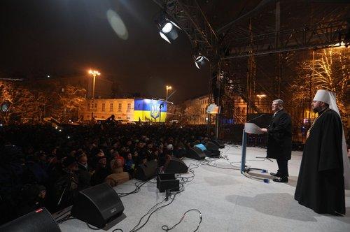 Порошенко та Єпіфаній на Софійській площі у Києві