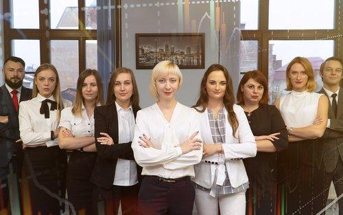 Олена Якубовська та команда професіоналів допомагають українцям досягти фінансової незалежності