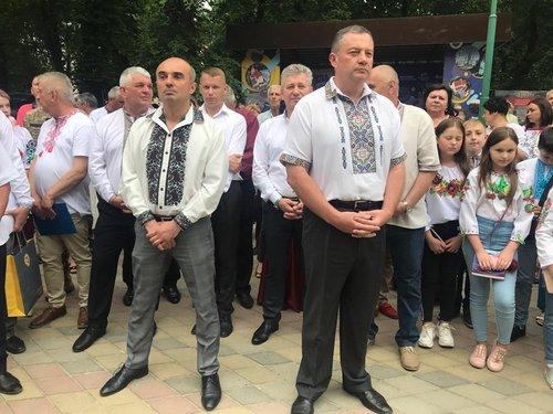 Володимир Гірняк і Ярослав Дубневич під час святкування Дня міста у Мостиськах, 9 червня 2019 року