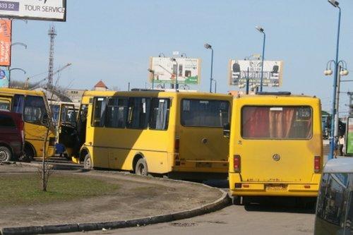 Львівська мерія вимагає від ЛОДА упорядкувати рух приміських маршруток у місті. Деякі приміські автобуси дублюють маршрути автобусів АТП-1 та не дотримуються схеми руху