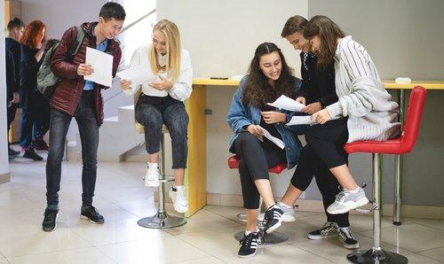Перший український ІТ-університет відкрив доуніверситетську підготовку для підлітків. Перший український ІТ-університет успішно реалізує доуніверситетську підготовку для підлітків