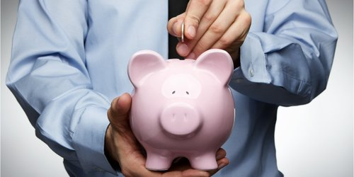 У Верховній Раді зареєстрували законопроект про скасування податку з депозитів. Зараз основна ставка податку на доходи від депозиту встановлюється на рівні 18% плюс 1,5% військового збору