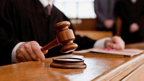 Голову «Укрексімбанку» звинувачують у злочинних діях в інтересах Порошенка. Прокурори також вважають, що підозрюваний діяв на користь Курченка та Арбузова