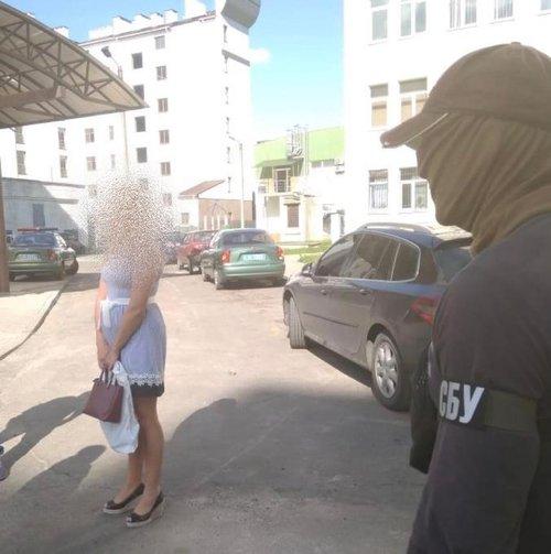У Львові поліцейська продавала персональні дані та записи телефонних розмов зацікавленим особам, фото-2