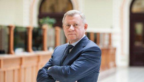 Голова НБУ Яків Смолій подав у відставку. Такий крок голова Національного банку України пояснив політичним тиском