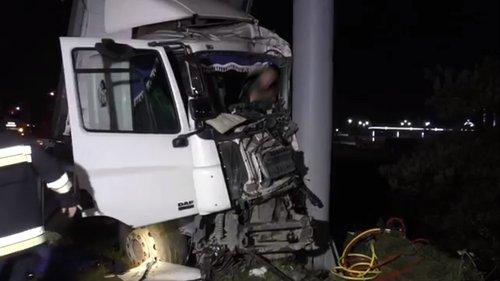 Водій вантажівки задрімав за кермом і вчинив ДТП на об'їзній Львова