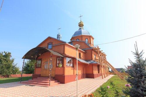 На Львівщині завершують кількарічну реставрацію 200-літньої церкви. Дерев'яний храм є пам'яткою архітектури місцевого значення