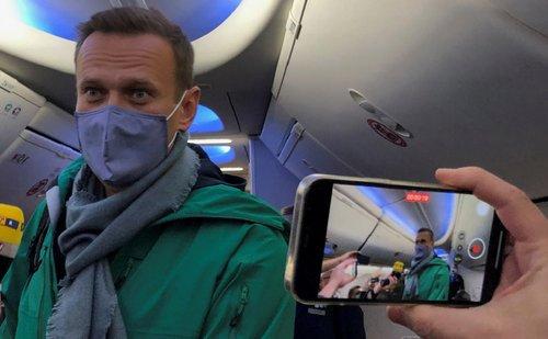 Російського опозиціонера Олексія Навального затримали в Москві. Політика затримали після повернення з Німеччини, де він лікувався від отруєння «Новачком»