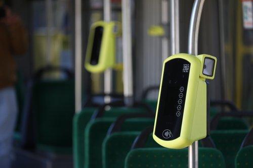 У львівських трамваях встановили перші валідатори е-квитка
