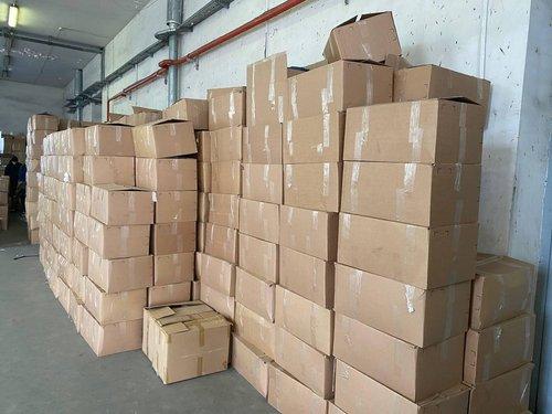 На кордоні виявили контрабанду брендового одягу на 25 млн грн, який маскували під гуманітарку