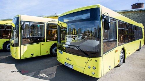 Садовий заявив про відмову Львова від купівлі 100 автобусів МАЗ