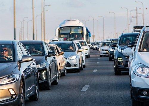 АМКУ перевірить служби таксі Києва через ціни у перший день локдауну