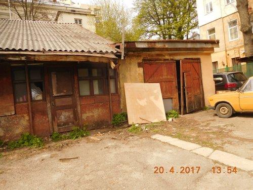 Львівська міськрада продала занедбану будівлю на Кастелівці за 6,9 млн грн