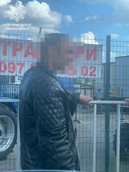 У Львові п'яний мотоцикліст пропонував патрульним 6000 грн хабара -  ZAXID.NET
