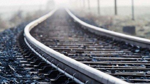 Внаслідок наїзду потяга у Пустомитівському районі загинув чоловік