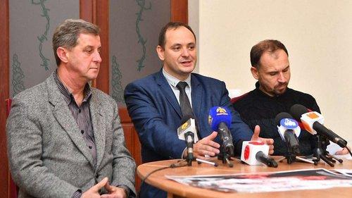 Масовий розстріл членів ОУН в Івано-Франківську відтворять історичні реконструктори