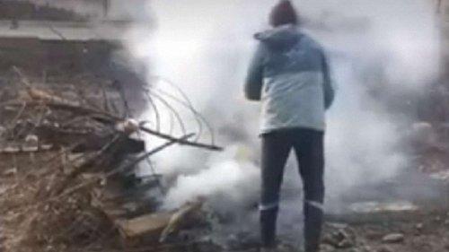У Львові оштрафували чоловіка, який доручив своїм підлеглим спалювати сміття посеред міста