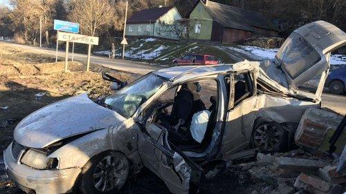 Внаслідок ДТП на Львівщині загинули двоє пасажирів легковика