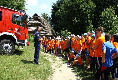 Львівські пожежники розповіли гостям про правила безпеки