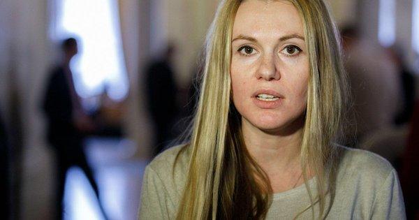 Депутатку від «Слуги народу» звинуватили у лобіюванні інтересів олігархів. Анну Скороход виключать з фракції після її заяви про тиск з боку влади
